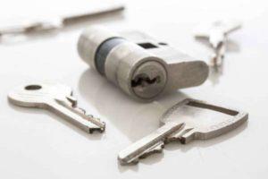 Instalación y sustitución de cerraduras y bombines Alicante